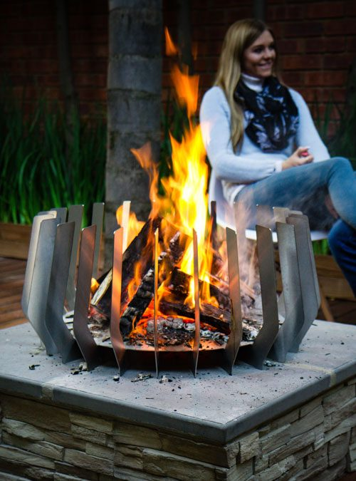 FireBlades designer fire pit - Angle