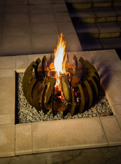 FireBlades designer fire pit - Curve
